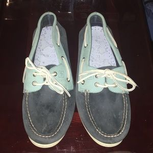 Boat Shoes/loafers